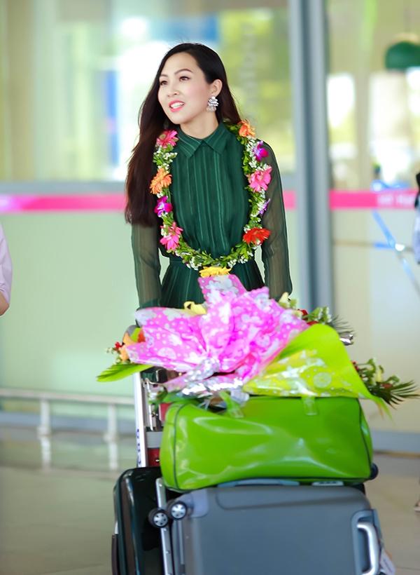 Diệu Ngọc tại sân bay Đà Nẵng.
