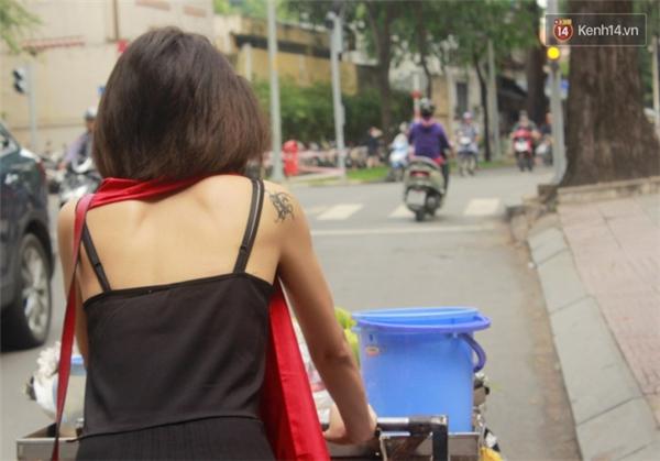 Ngọc Quỳnh hiện đang làm quản lý một chuỗi cửa hàng kinh doanh rượu vang ở Sài Gòn.