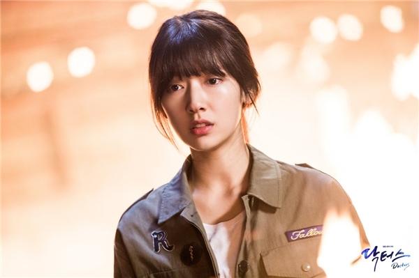 Đau lòng tấn bi kịch ập đến Park Shin Hye trong Doctors