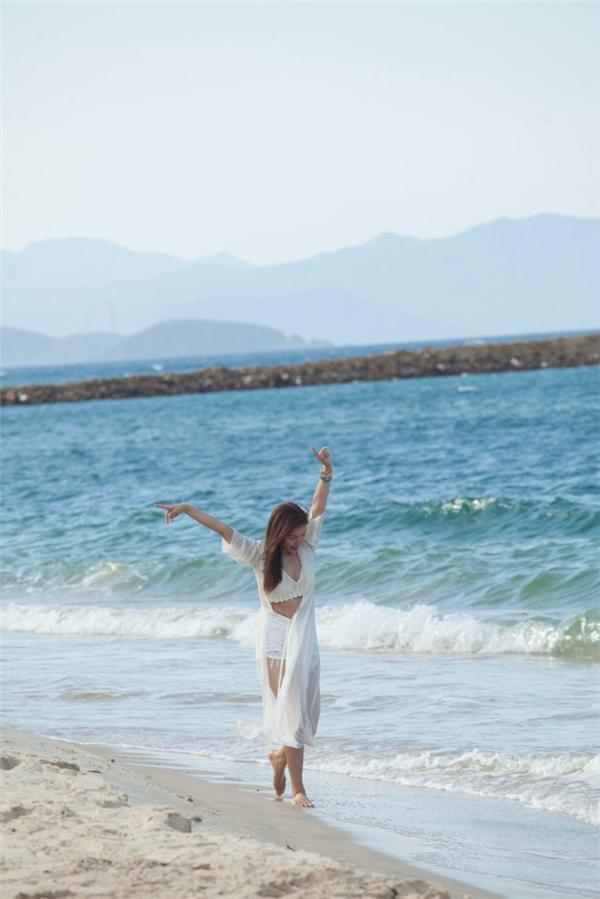 Hiện tại, Nguyễn Ngọc Anh đang lên kế hoạch thực hiện một MV tiếp thep ở nước ngoài vào tháng 7 tới.