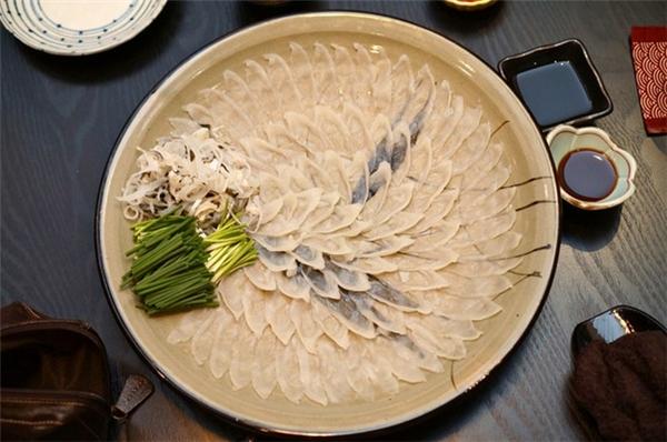 Tại Nhật, sushi hay sashimi cá nóc là một trong những món ăn đắtnhất trênbàn tiệc.(Ảnh Internet)