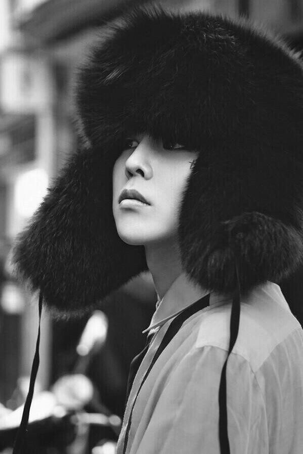 Chiếc nón đã cùng cậu tham gia nhiều chương trình truyền hình tại Hàn và các buổi trình diễn thời trang. (Ảnh: Internet)