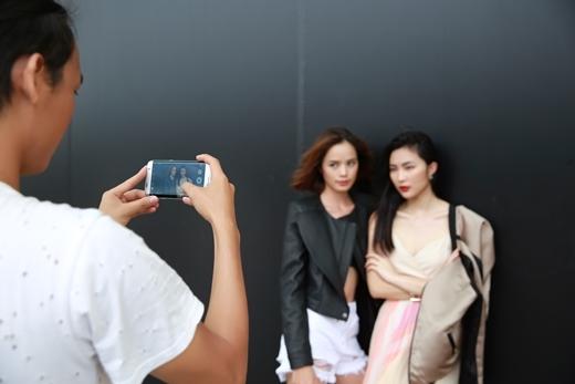 Chụp ảnh street style, không nhất thiết phải có máy ảnh chuyên nghiệp