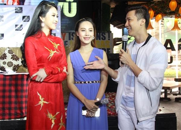 Trong buổi ra mắt quỹ từ thiện, ngoài số tiền tích cóp được từ việc trích ra từ thu nhập cá nhân người đẹp Tiền Giang cũng nhận được sự ủng hộ từ nhiều mạnh thường quân.
