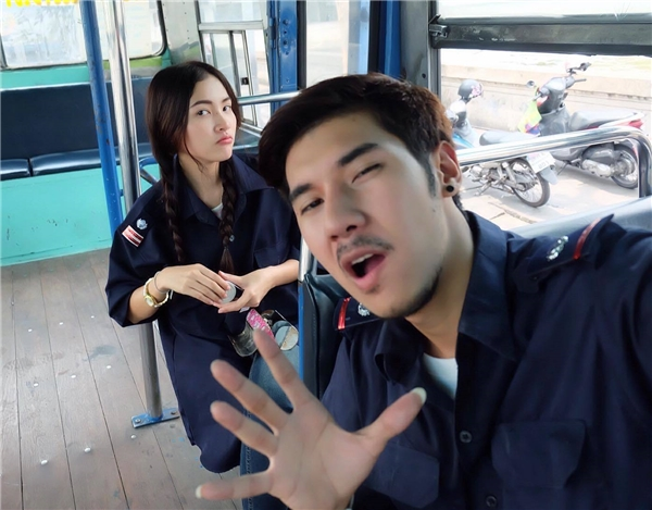 Andre hiện đang hẹn hò với Oishi, chàng tiếp viên xe buýt gây bão từ năm ngoái. (Ảnh: Internet)