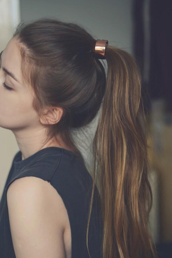 Chúng có xu hướng tấn công các cô gái có tóc dễ nắm và giật.