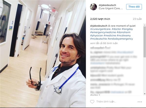Jake Deutsch, một bác sĩ cấp cứu ở New York. Anh là mộttrong những người sáng lập ra phòng khámCure Urgent Care. (Ảnh: Internet)
