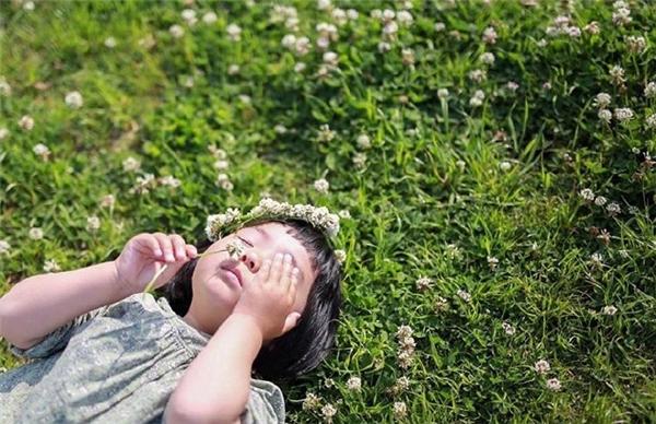 Cô bé Aimue đang trở thành hiện tượng được lan truyền rộng rãi trên khắp các trang mạng xã hội.
