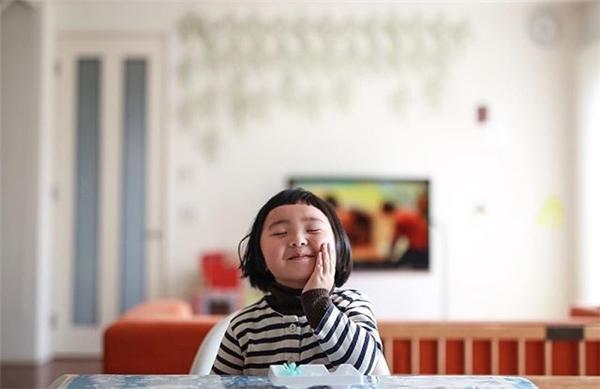Cô bé Nhật Bản với gương mặt dễ cưng đang gây sốt dân mạng