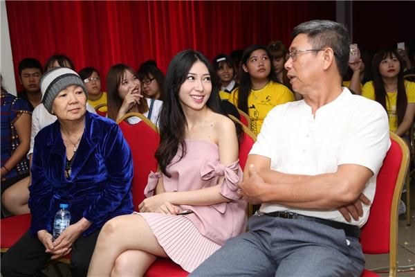 Bố mẹNgô Kiến Huy cũng có mặt trong buổi offline mừng sinh nhật của con trai - Tin sao Viet - Tin tuc sao Viet - Scandal sao Viet - Tin tuc cua Sao - Tin cua Sao
