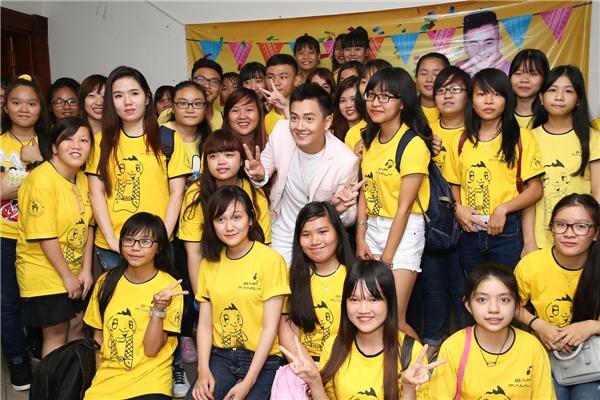 """""""50 sắc thái"""" cực khó đỡ của Ngô Kiến Huy khi mừng tuổi mới cùng fans - Tin sao Viet - Tin tuc sao Viet - Scandal sao Viet - Tin tuc cua Sao - Tin cua Sao"""