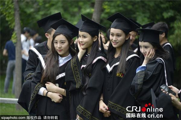 Học viện Điện ảnh Bắc Kinh là cái tên luôn thu hút sự chú ý đặc biệt của dư luận Trung Quốc.