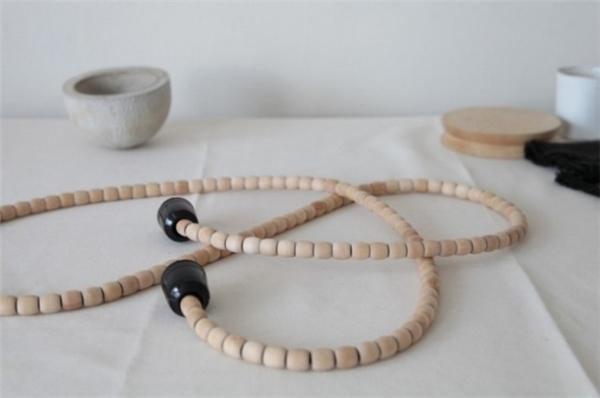"""7. Sử dụng các loại hạt gỗ làm """"áo giáp"""" bảo vệ cho dây cáp."""