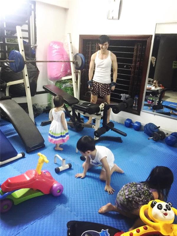 Đối với nhàLý Hải - Minh Hà, dường như gia đình khỏe mạnh mới là một gia đình hạnh phúc.