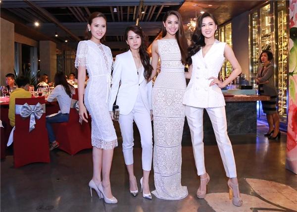 An Nguy hoàn toàn khác biệt với 3 thí sinh còn lại khi diện vest thanh lịch, ngọt ngào nhưng vẫn mang màu sắc mạnh mẽ. Nữ Vlogger mang giày cao với chi tiết ánh kim làm điểm nhấn.