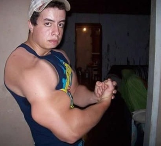 Khi nam giới quyết định khoe mẽ làm lố với Photoshop