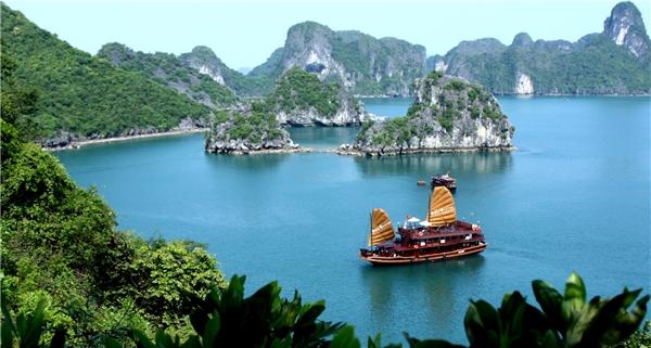 Du lịch Việt Nam - Top 10 danh lam thắng cảnh đẹp tuyệt vời ở Việt Nam