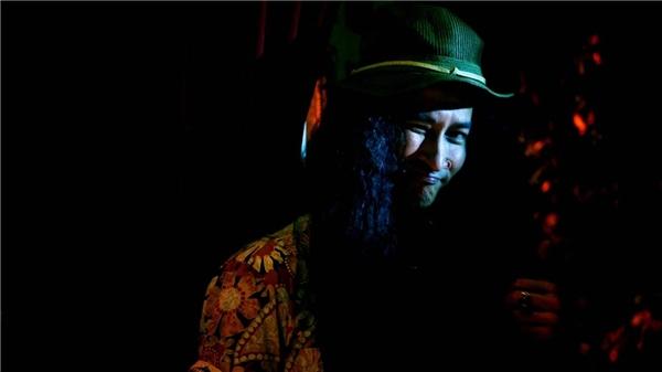Nhân vật người quản lí của ban nhạc Sexy Beast do Huy Khánh thủ vai với tạo hình vô cùng xấu xí nhưng cũng rất ấn tượng. Anh chính là người đã ủng hộ những nỗ lực cao cả và vĩ đại của Thái Rocker trong hành trình cứu rỗi nền rock Việt.