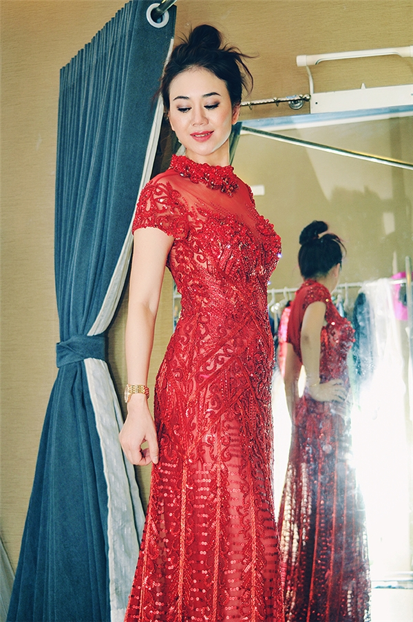 Mỹ Vân thử trang phục lộng lẫy cho vai trò giám khảo