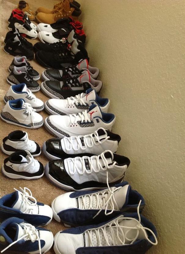 Bố con mình mang giày cặp luôn nhé.