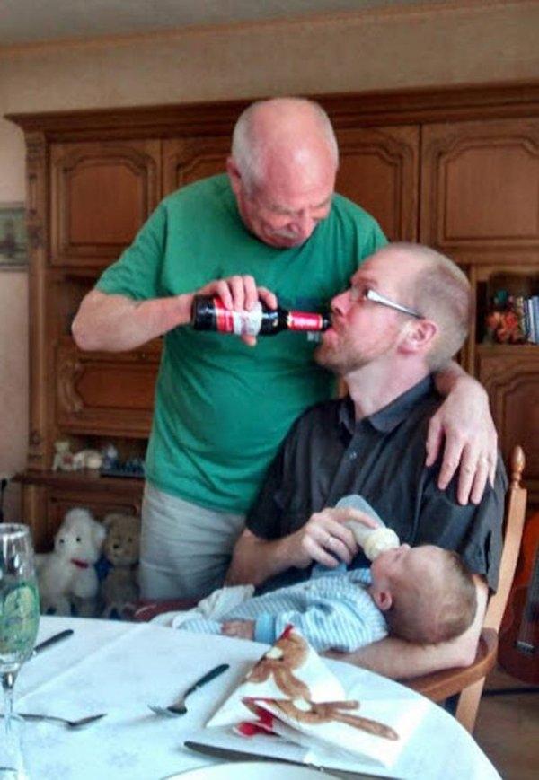 Con nhỏ thì cho uống sữa, con lớn thì cho uống bia.