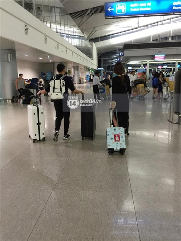 Trấn Thành, Hari Won ôm nhau tình tứ ở sân bay trước giờ xuất ngoại - Tin sao Viet - Tin tuc sao Viet - Scandal sao Viet - Tin tuc cua Sao - Tin cua Sao