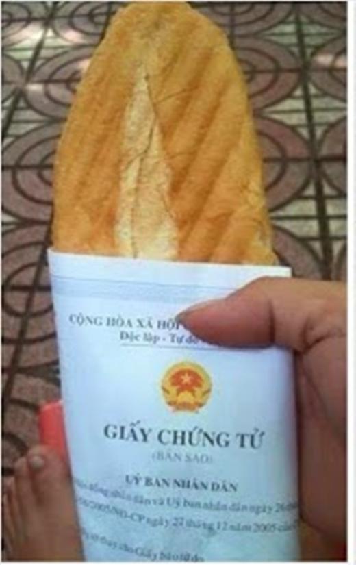 """Vâng, giấy chứng tử mà mang ra gói bánh mì mới """"chất"""".(Ảnh: Internet)"""