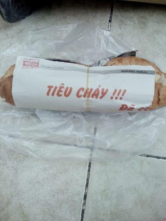 """""""Tiêu chảy!!! Đã có...bánh mì"""".(Ảnh: Internet)"""