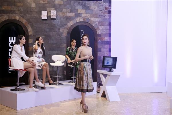 Hồ Ngọc Hà trực tiếp thị phạm thí sinh trước mặt giám khảo khách mời