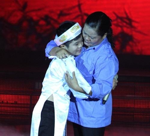 Quang Anh được giới chuyên môn đánh giá cao và chiến thắng của cậu bé khiến đại đa số khán giả hài lòng. - Tin sao Viet - Tin tuc sao Viet - Scandal sao Viet - Tin tuc cua Sao - Tin cua Sao