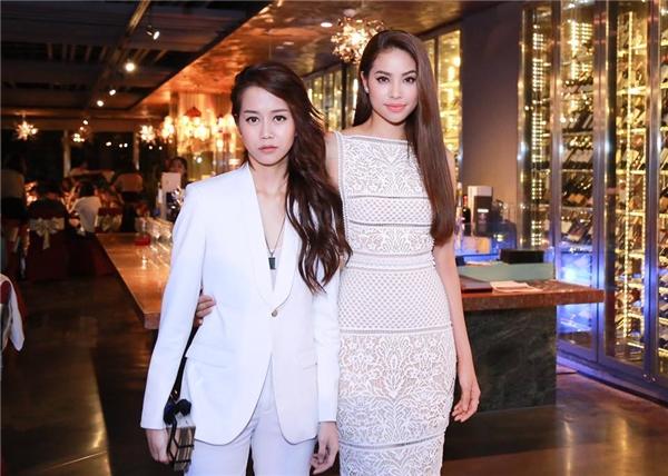 An Nguy và Phạm Hương trong một đêm tiệc vừa qua.