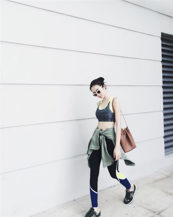 Nữ diễn viên trẻ là một trong số ít sao Việt luôn giữ vững phong độ thời trang ấn tượng và ổn định.