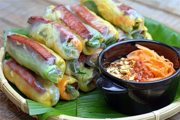 Ẩm thực Đà Lạt vô cùng phong phú và đa dạng với nhiều món ăn ngon hấp dẫn thực khách.(Ảnh: Internet)