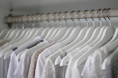 Giấm giúp áo bạn luôn trắng tinh tươm.