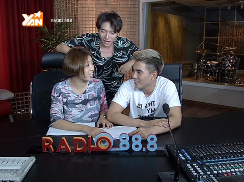 Ca sĩ nhạc sĩ Châu Đăng Khoa làm khách mời trong Radio 88.8. - Tin sao Viet - Tin tuc sao Viet - Scandal sao Viet - Tin tuc cua Sao - Tin cua Sao