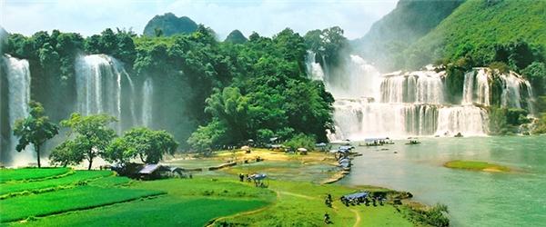 Thác nước - Vẻ đẹp đại ngàn của thác Bản Giốc lọt vào danh sách những thác nước kỳ vĩ nhất thế giới