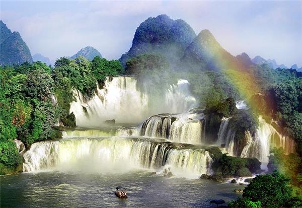Thác nước - Vẻ đẹp đại ngàn của thác Bản Giốc lọt vào danh sách những thác nước kỳ vĩ nhất thế giớ