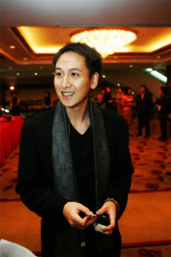 Thang Gia Thànhkhông thích tiệc tùng mà chỉ tập trung vào các hoạt động xã hội. (Ảnh: Internet)