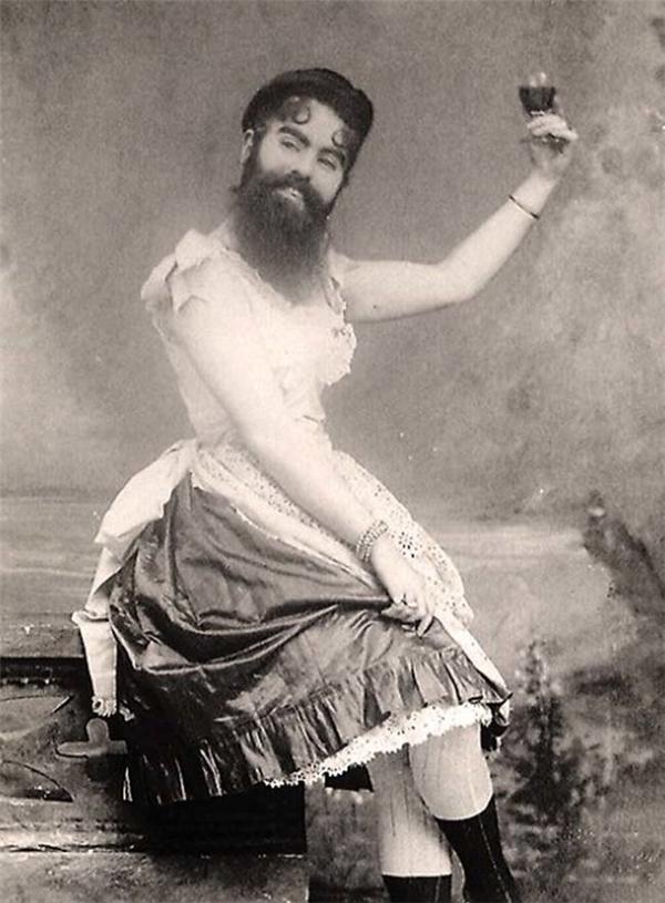 Annie Jones, người phụ nữ có râu, có lẽ đây là ngườiđã truyền cảm hứng choConchita Wurst.(Ảnh: Internet)