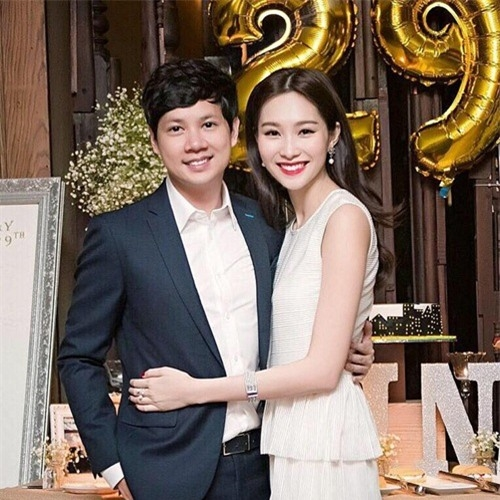 """Sau gần một năm yêu nhau, người hâm mộ rất""""nóng lòng"""" chờ đón tin vui từ """"cặp đôi vàng"""" củashowbiz Việt. (Ảnh Internet) - Tin sao Viet - Tin tuc sao Viet - Scandal sao Viet - Tin tuc cua Sao - Tin cua Sao"""