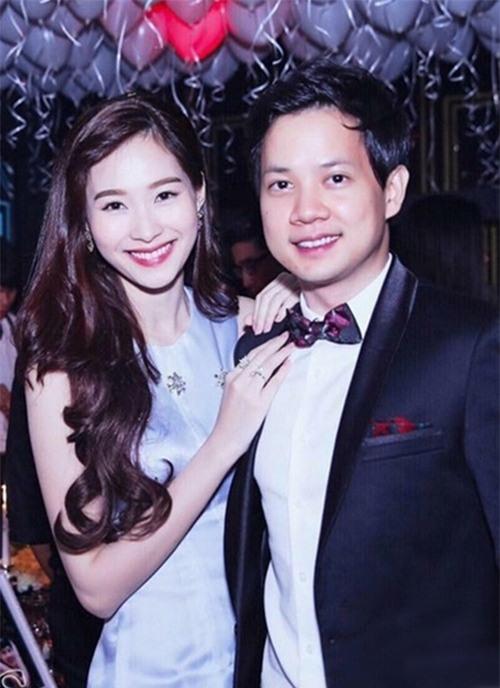 Đa phần những bức ảnh thân mật giữa Hoa hậu Việt Nam 2012 và bạn trai được bạn bè chụp lại, đăng tải trên mạng xã hội. (Ảnh Internet) - Tin sao Viet - Tin tuc sao Viet - Scandal sao Viet - Tin tuc cua Sao - Tin cua Sao