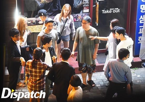 Dispatch minh oan cho Song Joong Ki khi bị nghi đi bar cùng Yoochun