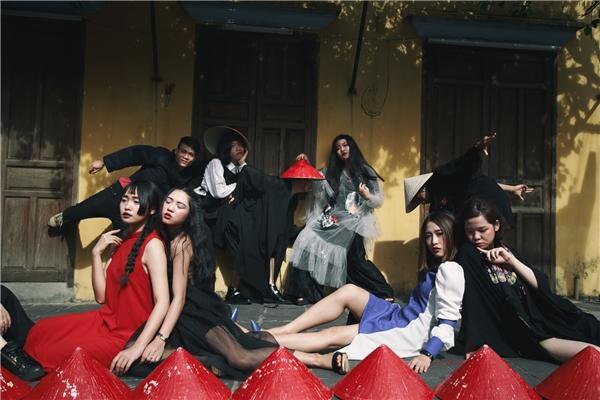 Hãy chụp ảnh kỉ yếu chất lừ như những bạn sinh viên thời trang này