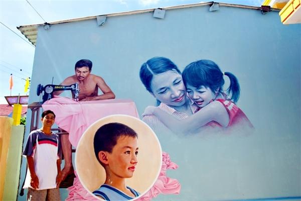 Các tác giả dựa trên người thật nghề thật mà vẽ lên tường.