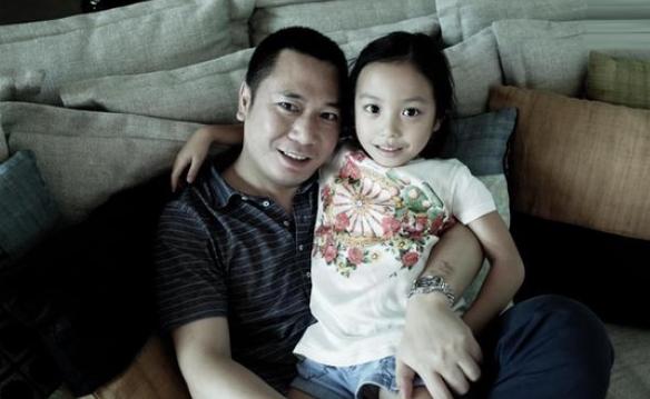 """Cô bé chính là """"công chúa nhỏ"""" của bố Huỳnh Hữu Long."""