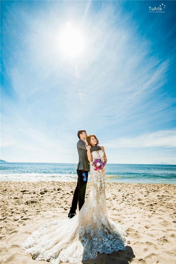 Còn bạn thì sao? Bạn có muốn sở hữu bộ ảnh cưới siêu chất mà lại cực ấn tượng như đôi bạn trẻ này không?(Ảnh: TuArts)