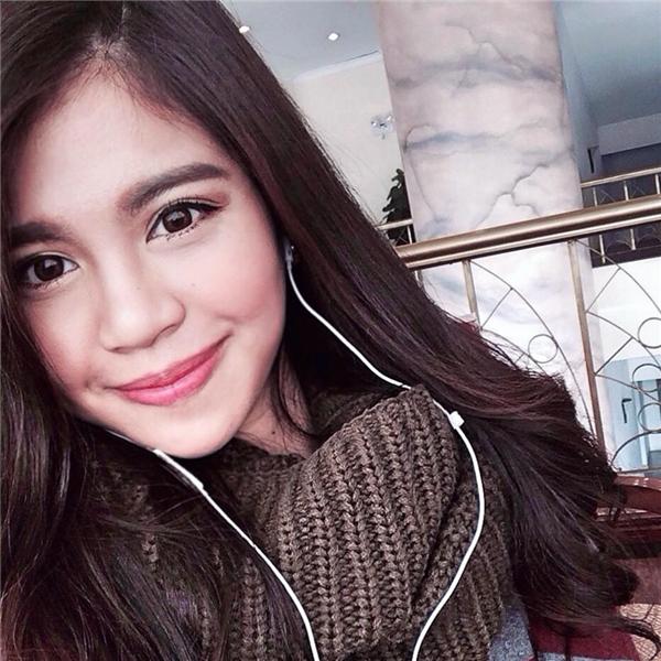 Lalita đã tốt nghiệp 3 cấp loại giỏi tại Việt Nam lẫn Thái Lan, cô nàng học lớp chuyên Anh từ lớp 9 tới lớp 12. Đến năm lớp 12, sau khi thi tốt nghiệp tại Việt Nam, Lalita chuyển hẳn sang Thái. Cô nàng đỗ trường Chulalongkorn University (Đại học đứng nhất của Thái Lan).