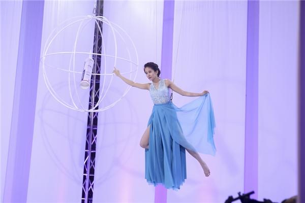 An Nguy là thí sinh khiến Phạm Hương tốn nhiều thời gian nhất trong việc huấn luyện, chỉ dẫn bởi cô không có kinh nghiệm trong việc làm mẫu trước đó.