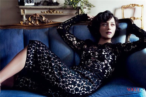 """Năm 2003, Marion gia nhập kinh đô điện ảnh Hollywood với bộ phim """"Big fish"""". Sau đó, cô ẵm giải Cesar ở hạng mục Nữ diễn phụ xuất sắc nhất với vai diễn trong bộ phim """"A very long engagement"""" năm 2004. (Ảnh: Hollywoodlife)"""