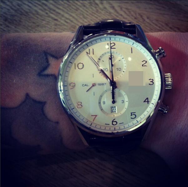 Đồng hồ đắt tiền - món phụ kiện không thể thiếu.